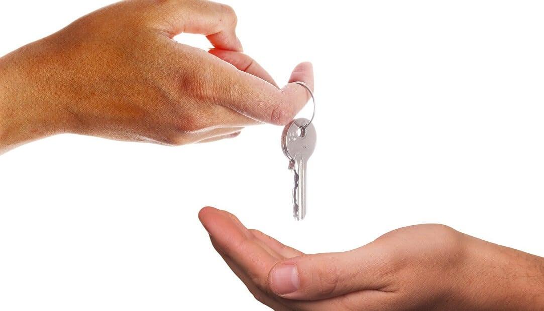 עם המפתחות – עוברים גם החשבונות