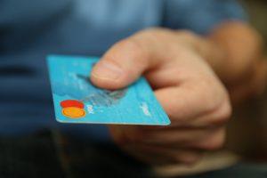 איך עובד תשלום שכר דירה בכרטיס אשראי?